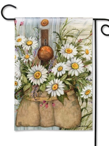 Fresh Picked Daisies Garden Flag (Flag Stand Sold Separately)