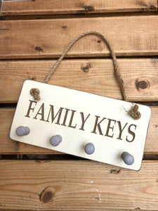 Richard Lang wooden key plaque which reads 'Family keys' would make a fabulous addition to your own home or a lovely gift for loved ones.