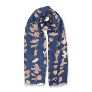 Sparkle everyday with this beautifully metallic soft herringbone material which is scattered with a lovely floral vine pattern. The printed scarf features an all over print in a chic indigo colour.