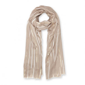 Sparkle everyday with this beautifully metallic soft herringbone material which is scattered with a lovely sunbeam print. The scarf features an all over pattern finished in pretty natural colourings.