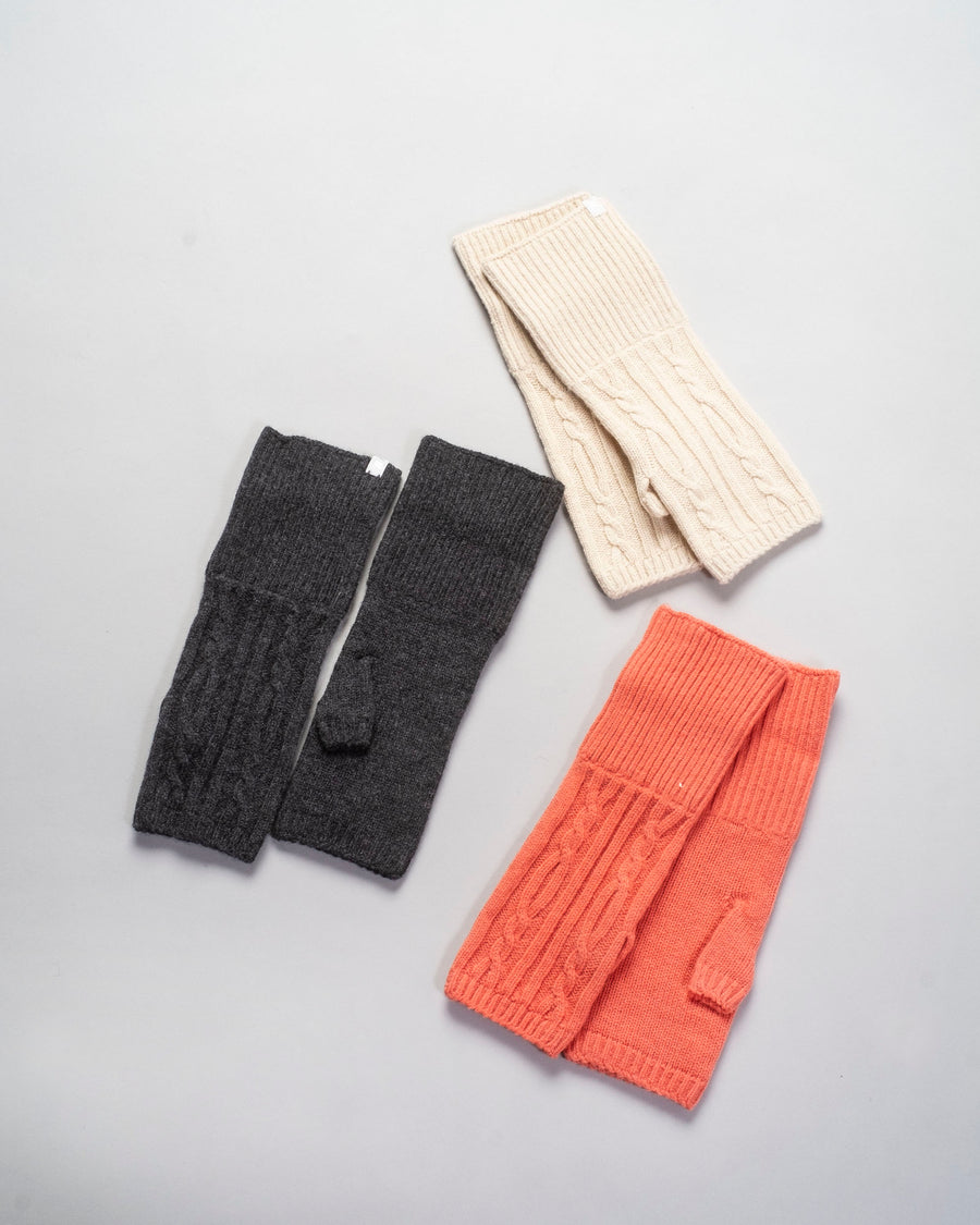 AU41 antipast women's women cable knit wool fingerless gloves mittens knit sweater wool charcoal grey ivory cream orange coral noodle stories