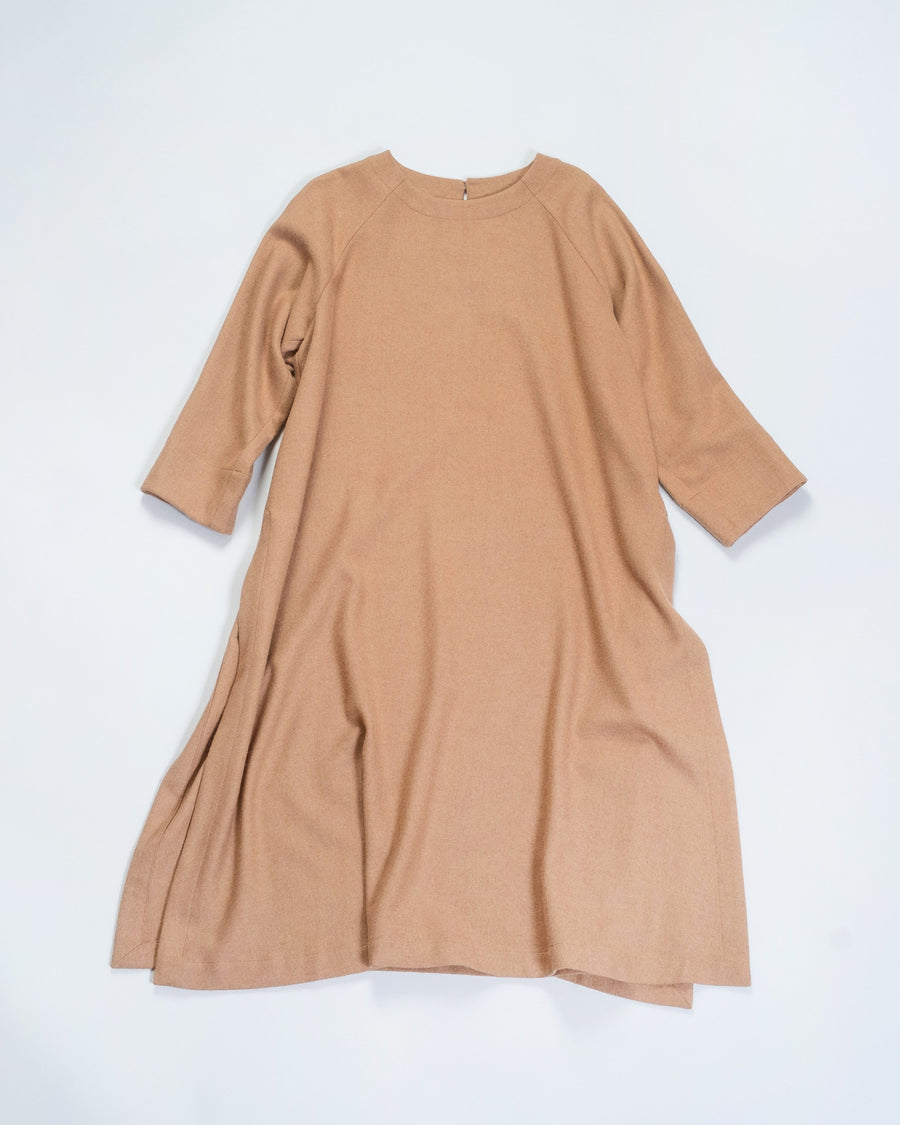 arts & science women's raglan tunic in camel | noodle stories