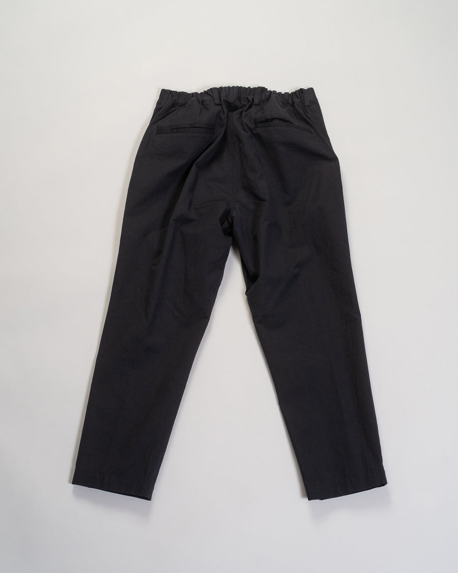 gathered back tapered pant