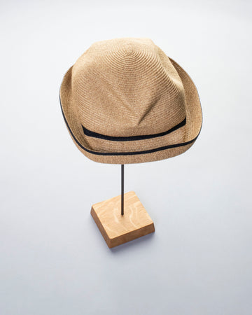switch color boxed hat