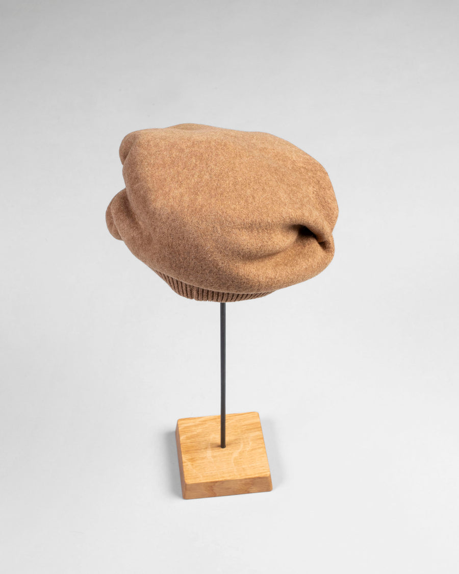 beret tuck & gather cap