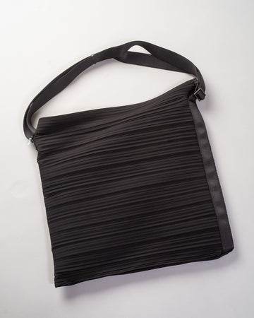 PP09 AG541 issey miyake womens women's pleats please bouncy pleats shoulder bag poly polyester black noodles stories