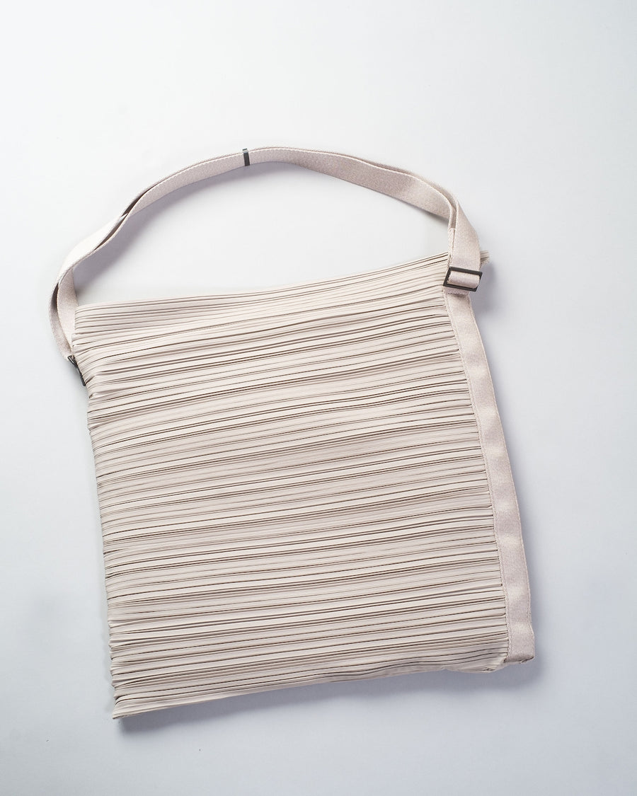 PP09 AG541 issey miyake womens women's pleats please bouncy pleats shoulder bag poly polyester grey gray noodles stories