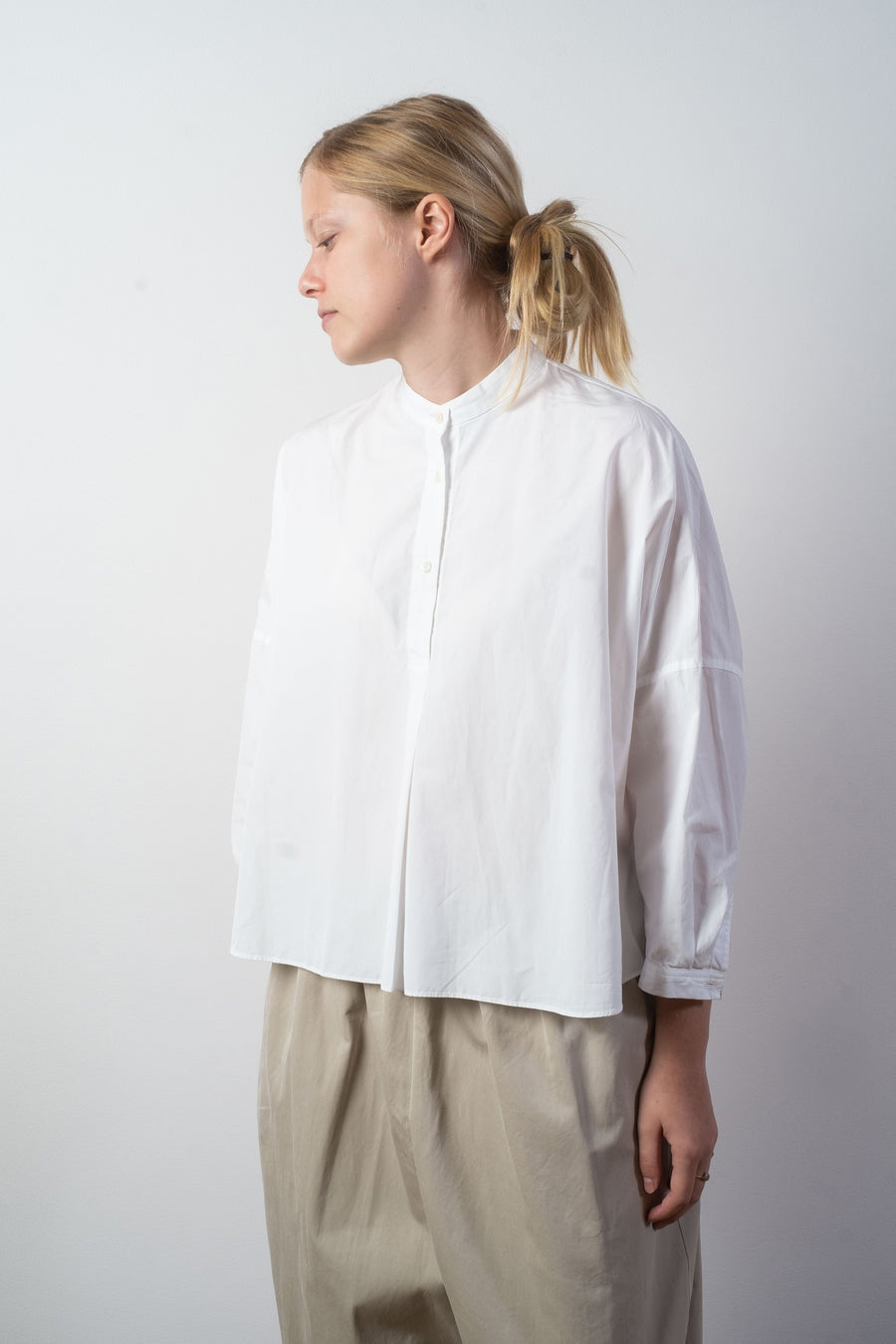 arts & science women's slip on swing shirt in white | noodle stories
