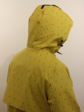 Load image into Gallery viewer, Junge Yellow Rain Jacket Drop Print