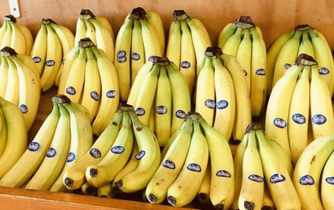 Bananas (per bunch 4-6 pieces)(2.99/kilo)