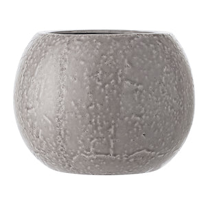 Large grey pot