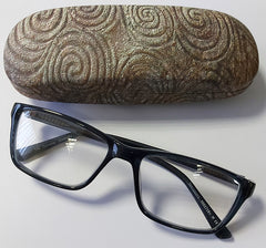 CGL11 - Newgrange Stone Glasses Case