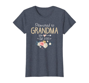 Womens Promoted to Grandma Est 2020 Mothers Day New Grandma Mimi T-Shirt 163639