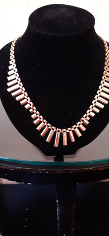 Elegant Vintage 9ct Gold Necklace