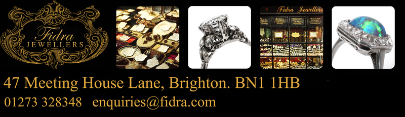 Antique and vintage jewellery shop based in Brighton Lanes  – Fidra