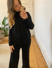 Laden Sie das Bild in den Galerie-Viewer, Cozy Set Black