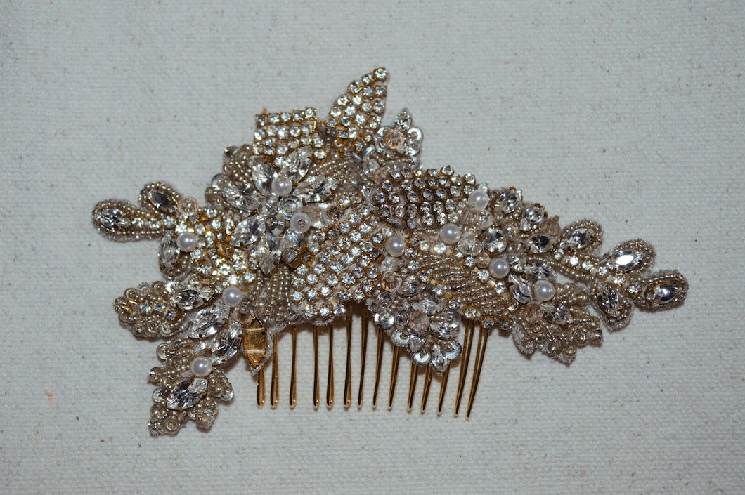 Ainsley Comb