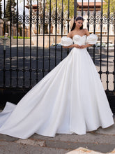 Load image into Gallery viewer, Ixion Plus - Pronovias