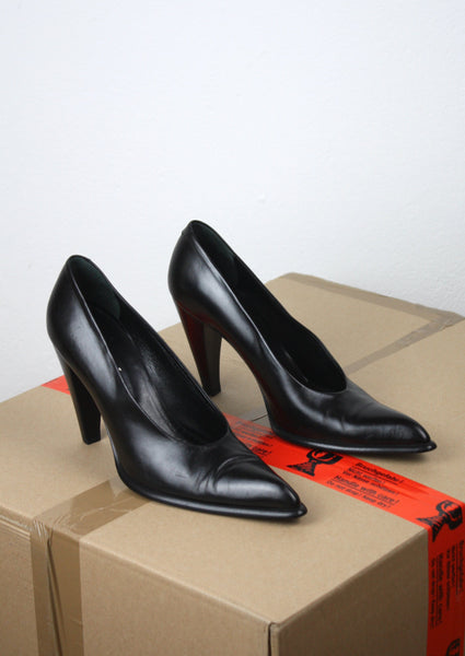 <strong>MAX MARA</strong> POINTY PUMPS SIZE 39