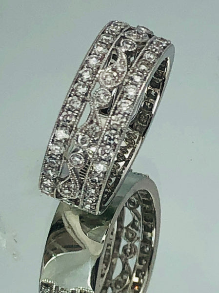 18Kt. White Gold Diamond Milgrain Band