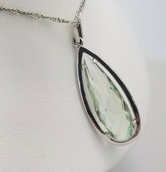 14Kt. White Gold Briolette cut Green Amethyst Pendant Necklace