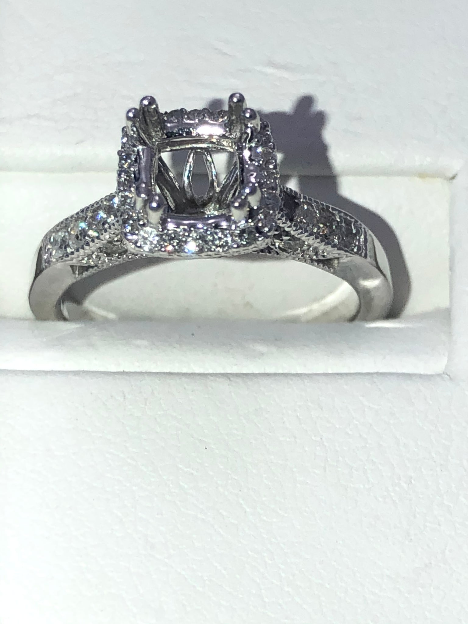 14Kt. White Gold Halo Cushion/Square Semi Mounting