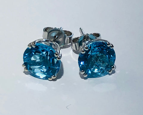 14Kt. White Gold Blue Topaz Earrings
