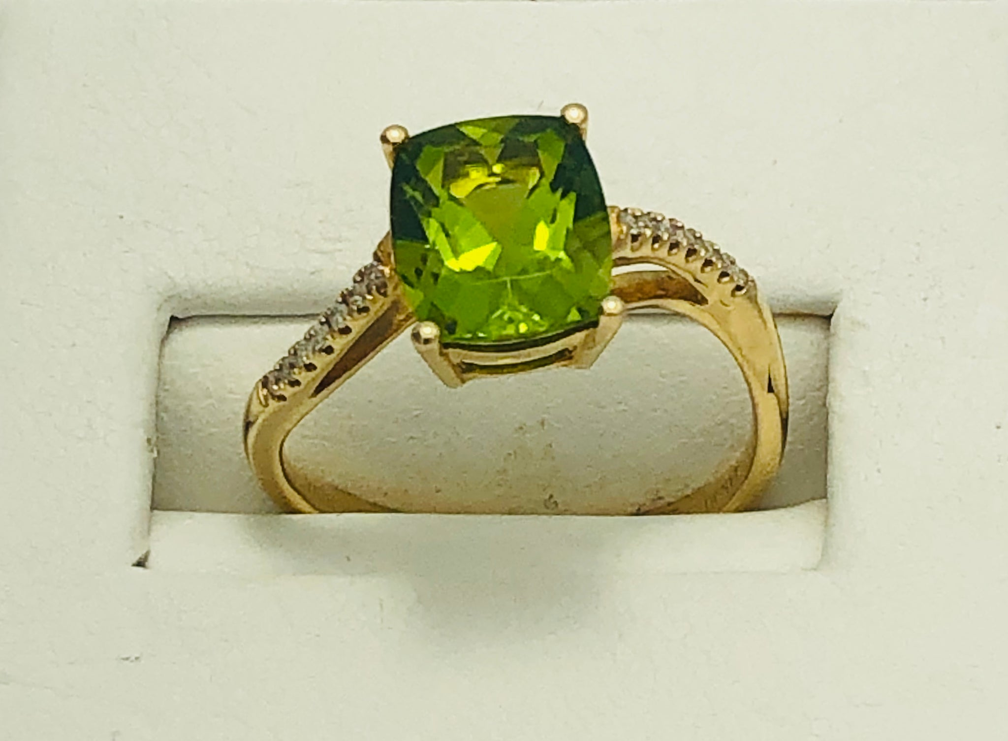 14Kt. Yellow Gold Peridot and Diamond Ring