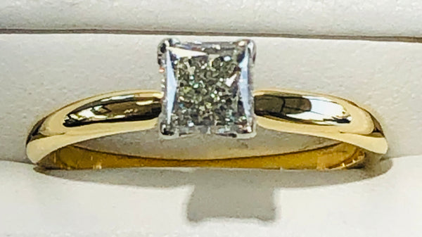 18Kt. Yellow Gold Diamond Engagement Ring