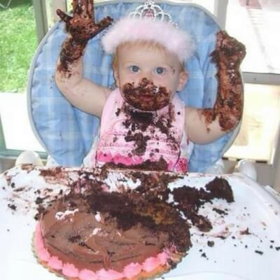 Is cake smashing the dumbest cake trend ever Anges de Sucre