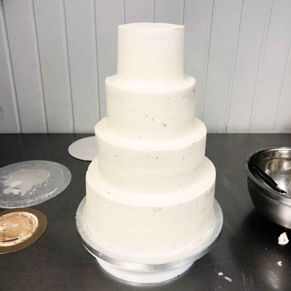 How To Stack A Wedding Cake-6534