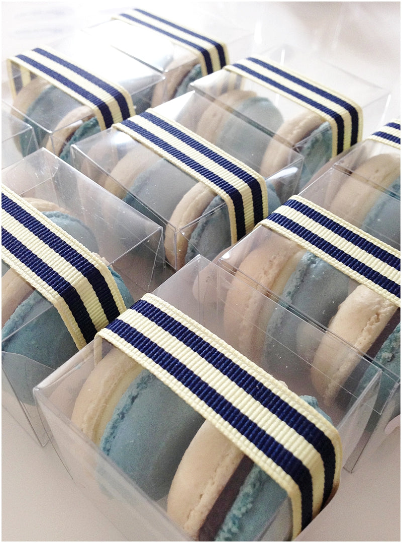 Saint-Tropez-Custom-Blue-White-French-Macarons-02