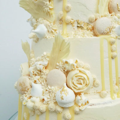 Ivory Dreams Wedding Cake Tier 2