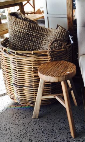 Low Elm Stool - round