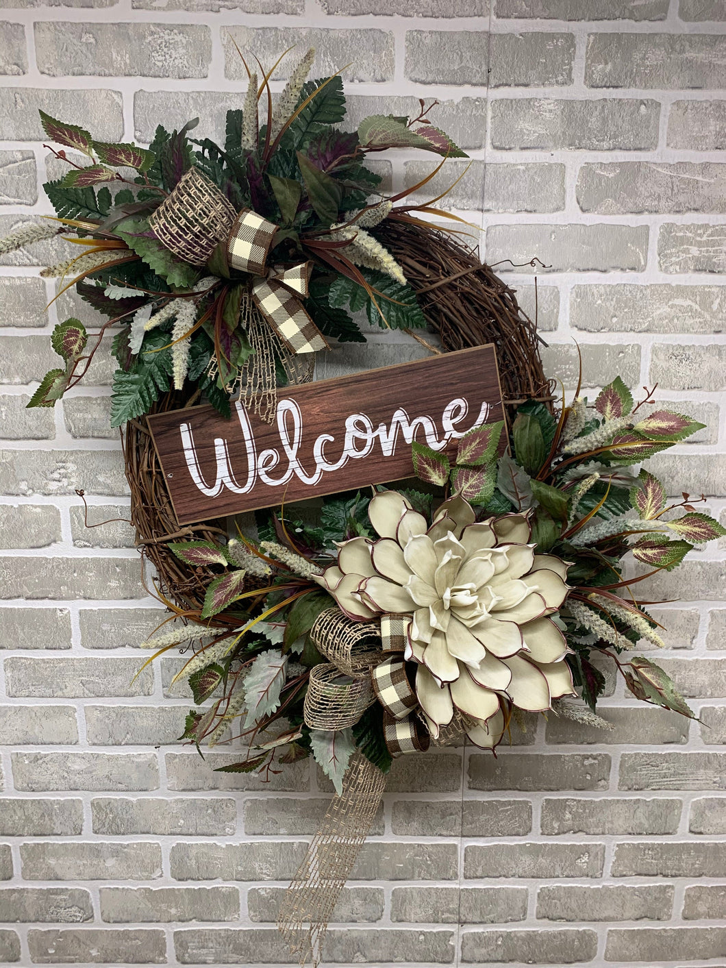 Welcome home decor wreath
