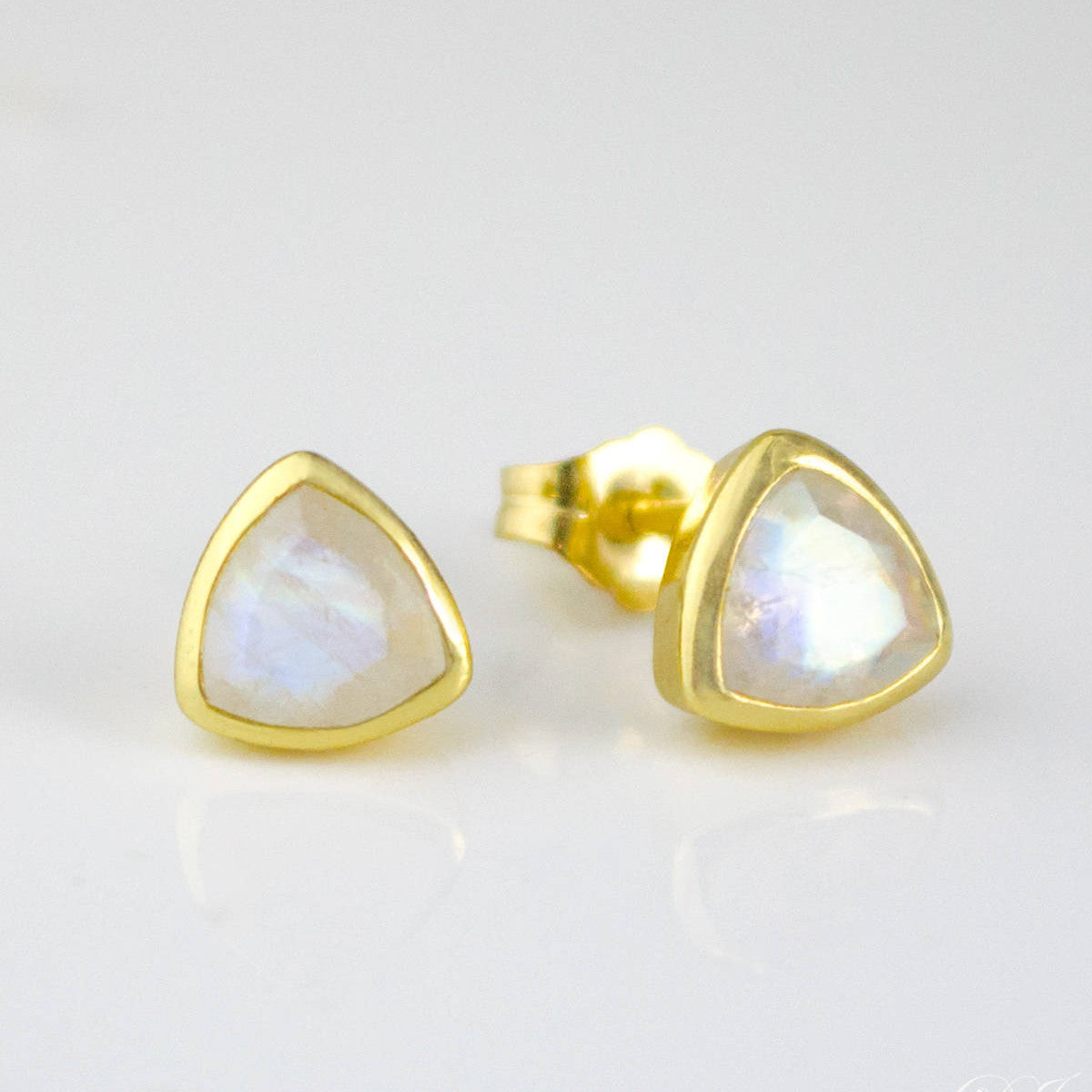 stud hugerect gold wire filled earrings product classic everyday
