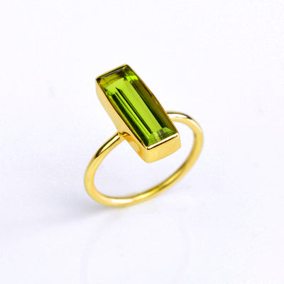 Peridot Quartz Gemstone Bar Ring, August Birthstone Geometric Ring