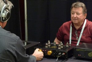 Ray shows off his B52 balanced headphone amp with balanced Sennheiser HD-800.