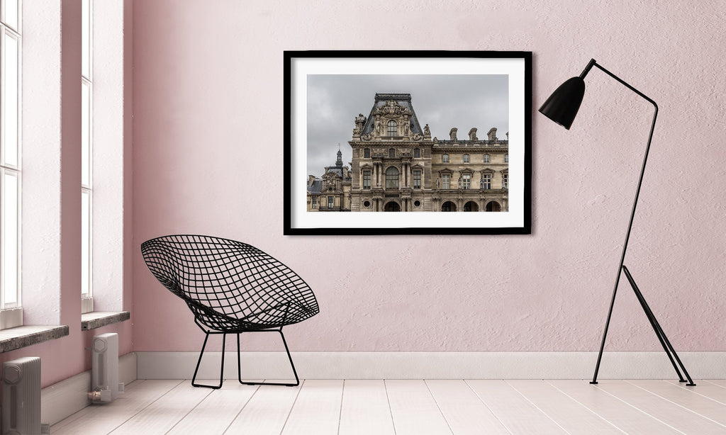 LINDSEY FOARD // Moody Louvre Photo // Travel Photography