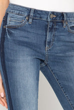 Load image into Gallery viewer, Miss Me NEW BFF CROP STRAIGHT JEANS