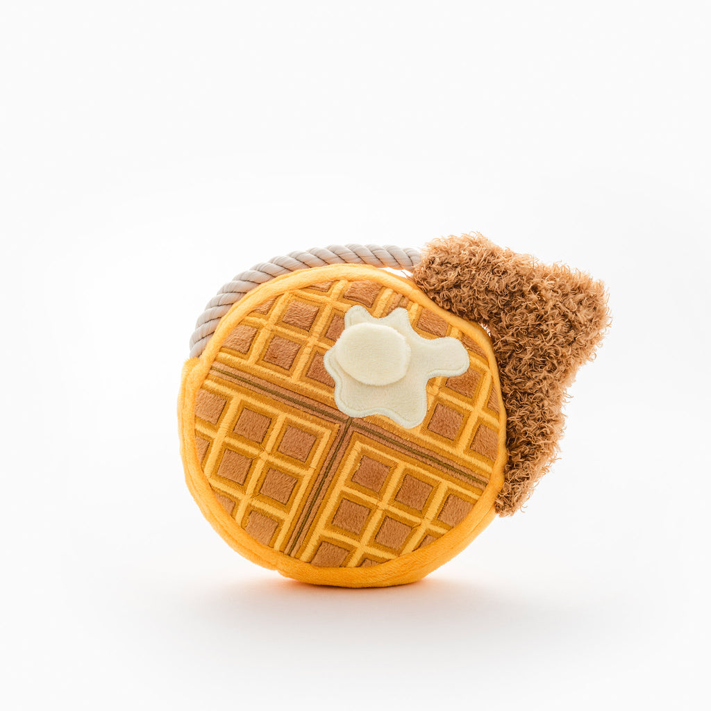 Chicke Waffle - Rolig hundleksak i bra kvalitet. Fun dog toy with good quality.