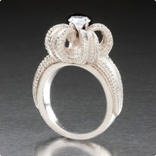Load image into Gallery viewer, STARFISH CROWN <br>GOLD & DIAMOND