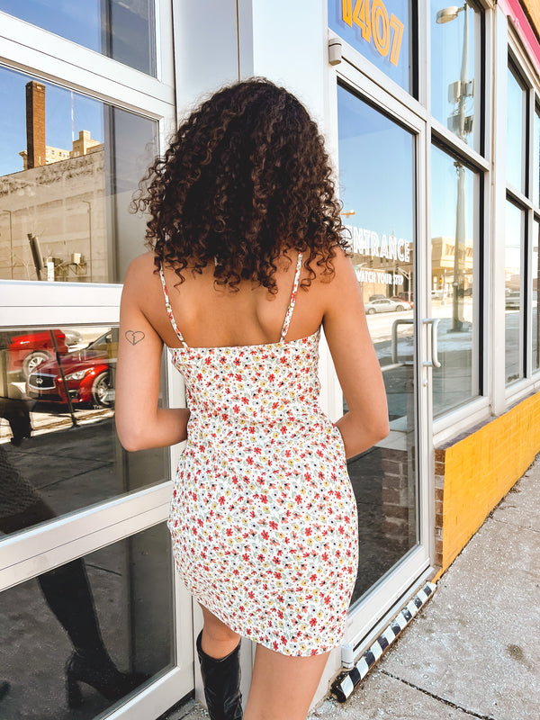 DIFF Becky Sunglasses (available in two colors)