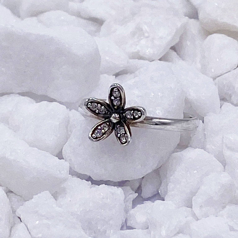 Charmz Sterling Silver Daisy Ring clothing & accessories Charmz