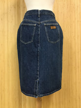 Load image into Gallery viewer, Gitano Denim Skirt (M)