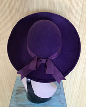 Load image into Gallery viewer, 1970's Wool Hat