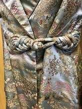 Load image into Gallery viewer, Vintage Embroidered Blazer (M)