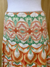 Load image into Gallery viewer, Tahari Floral Skirt (M)