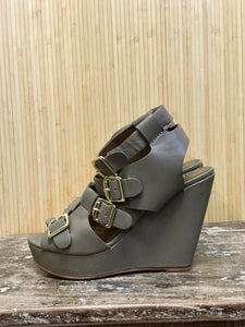 Cynthia Vincent Buckle Wedges (8.5)