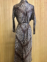 Load image into Gallery viewer, Marfay Leopard Print Robe